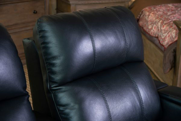 Picture of SOUNDTRACK LEATHER POWER RECLINING THEATER SEATS